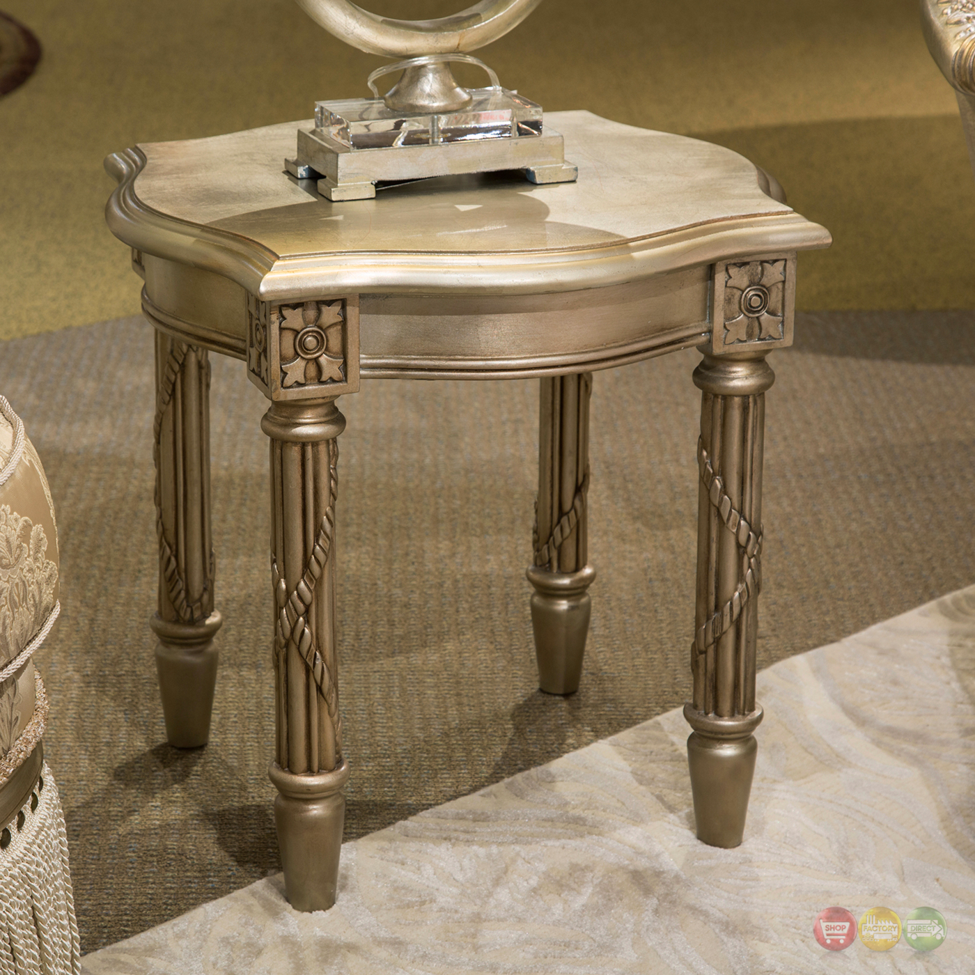 Giselle Luxury Traditional Ornate Wood Top End Table In