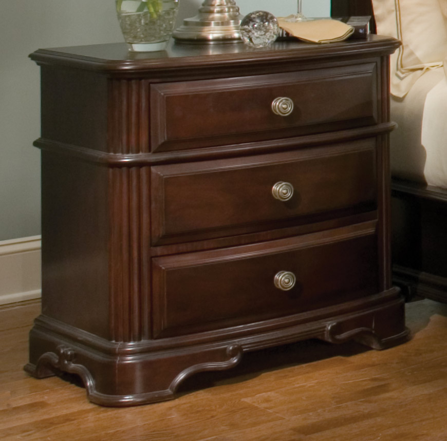 Traditional Designer Furniture: Grandover Traditional Design Low Profile Bedroom Furniture