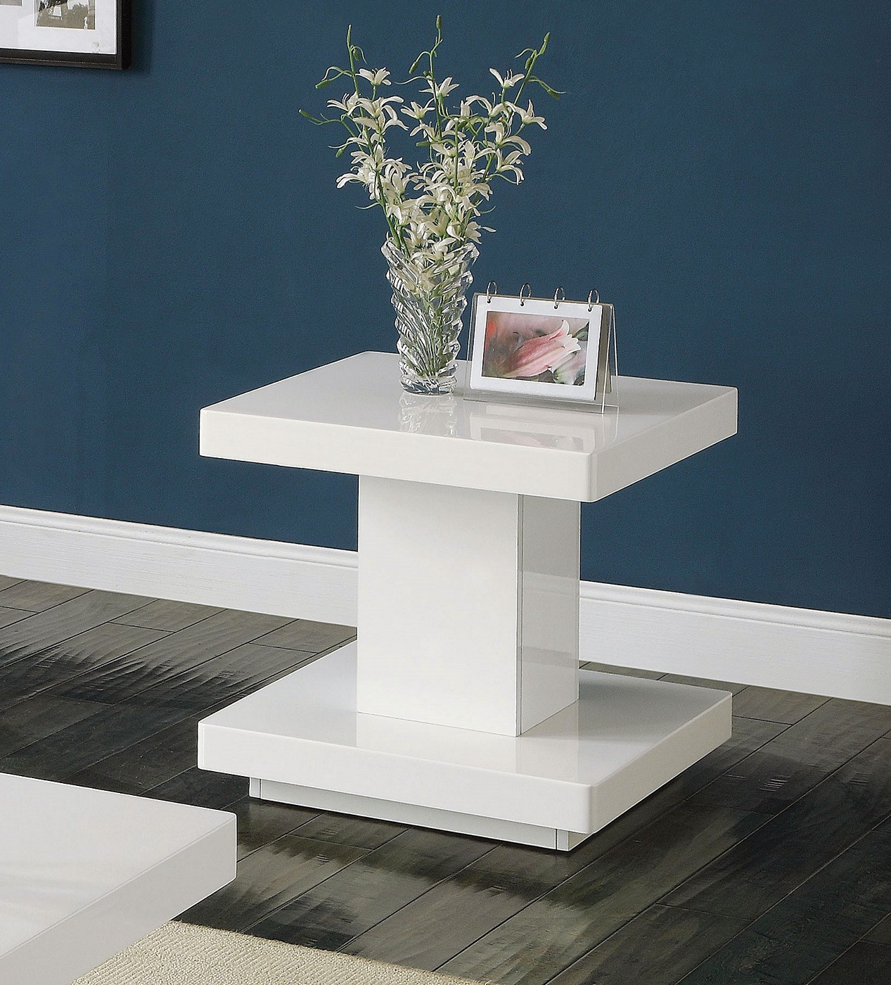 Modern Oval White High Gloss Glossy Lacquer Coffee Table: Ifama Contemporary End Table In White High Gloss Lacquer