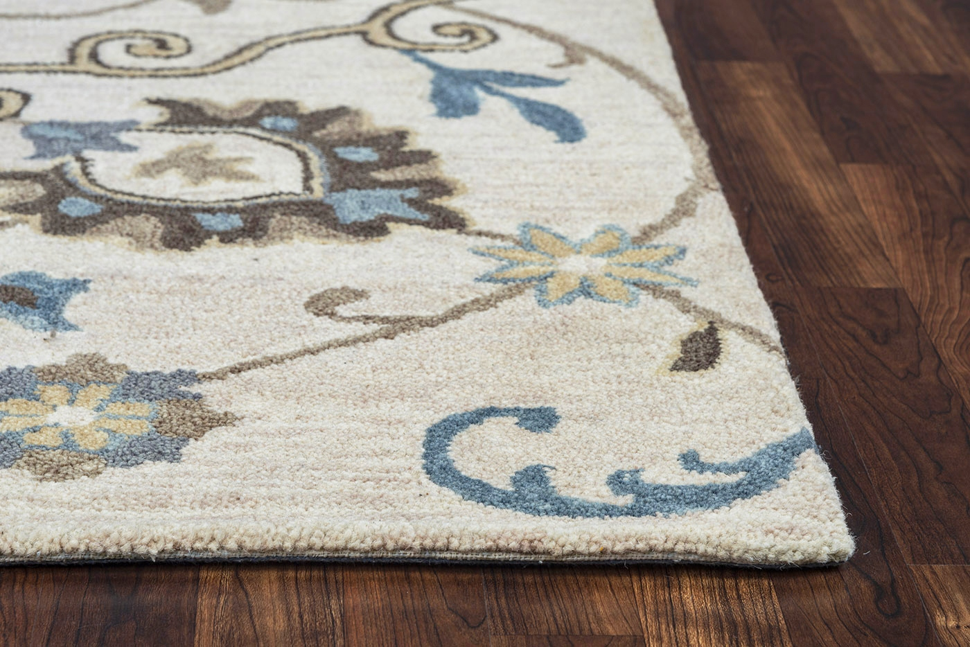 Make your floors fancy with chic area rugs from Kmart. Find ridiculously awesome accent rugs to add a splash of style to any room.