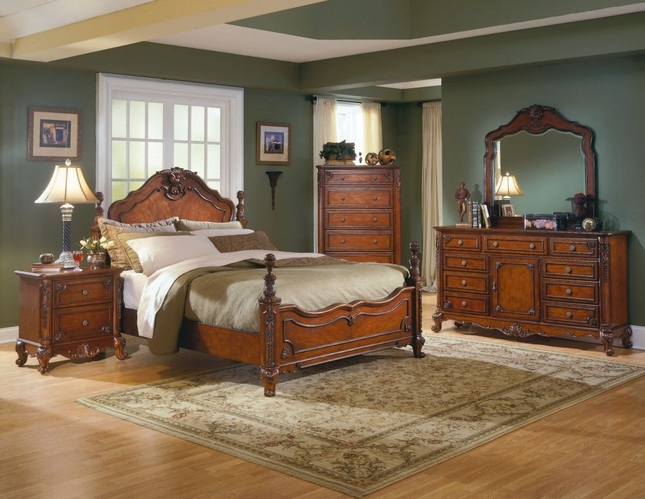 Attirant Madeline Old World France Ornate Bedroom Furniture Set