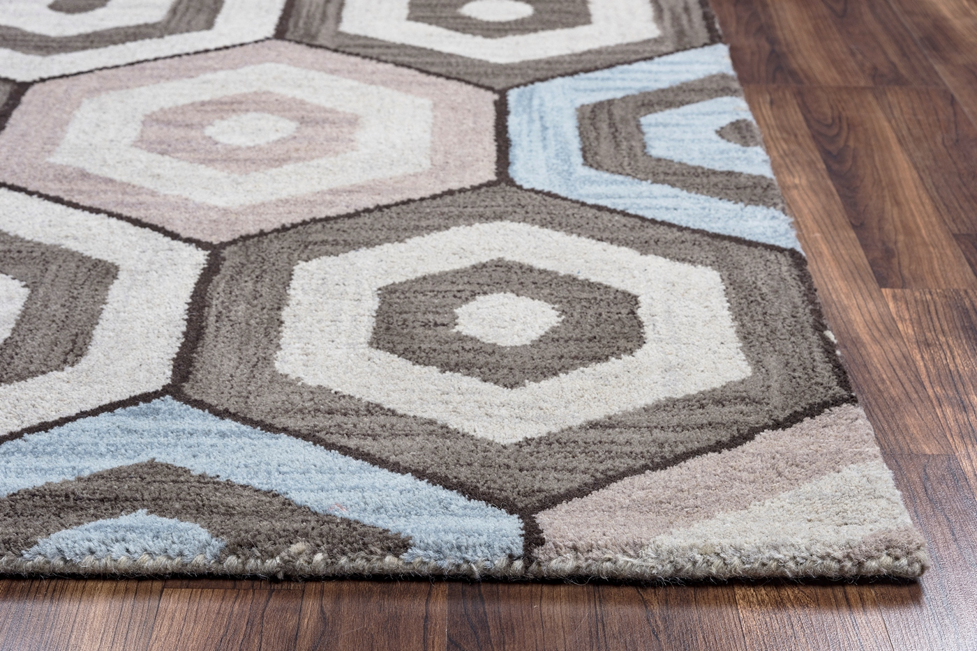 Marianna fields concetric hexagon wool area rug in grey for Grey and tan rug