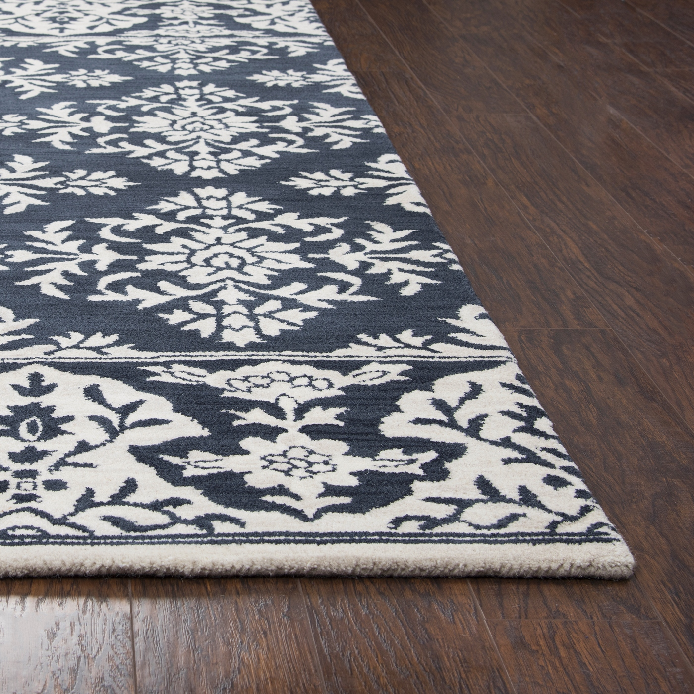 Marianna Fields Damask Border Wool Area Rug In Navy