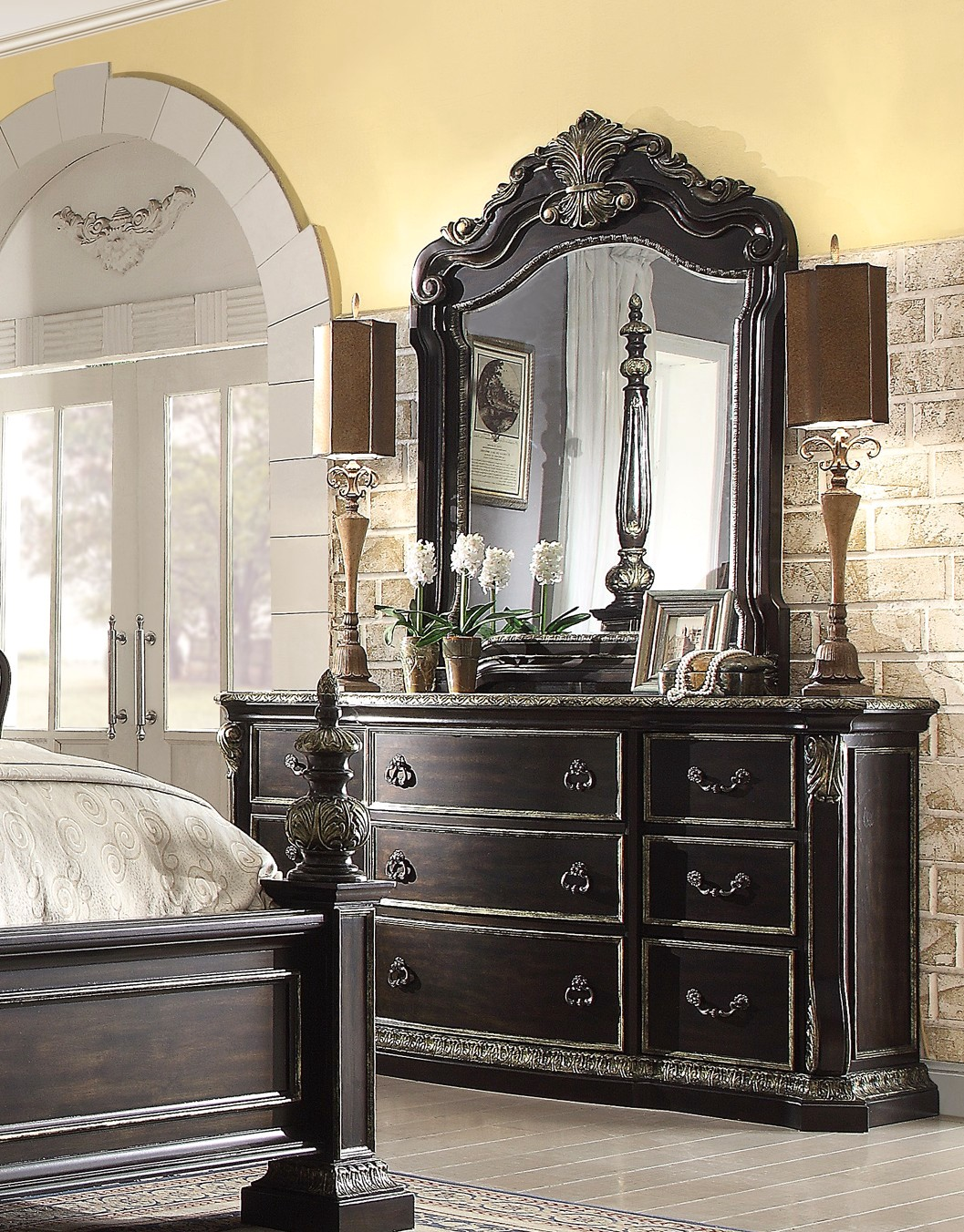 Matteo gothic style 4 pc california king bed set in ebony finish for Gothic style bedroom furniture