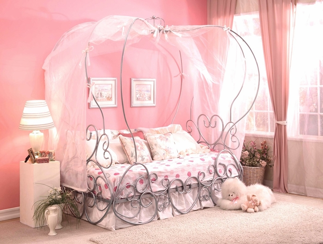 Princess of Hearts Twin Canopy Carriage Bed in Silver Finish