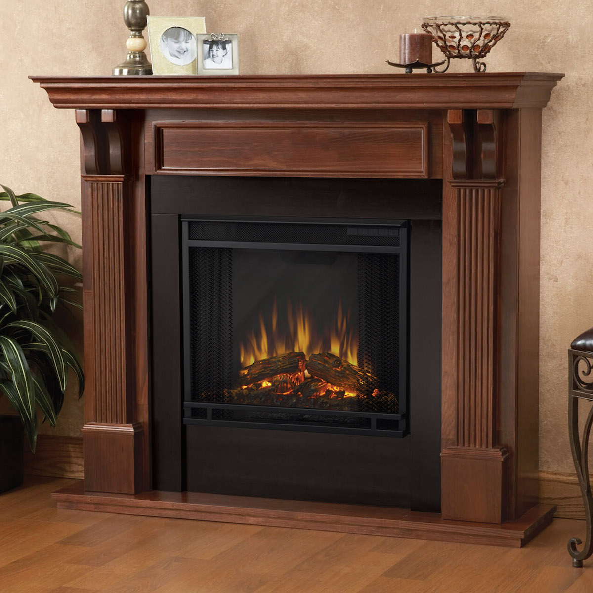real flame ashley indoor electric fireplace in mahogany. Black Bedroom Furniture Sets. Home Design Ideas