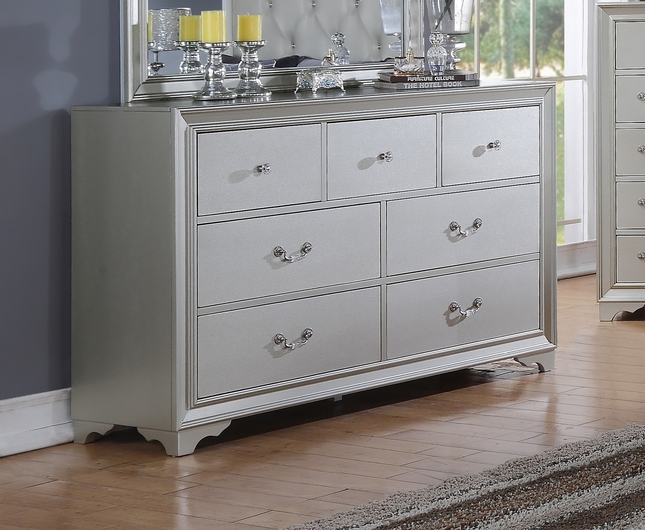 Silver Chic Contemporary 7-Drawer Silver Dresser With Framed Design