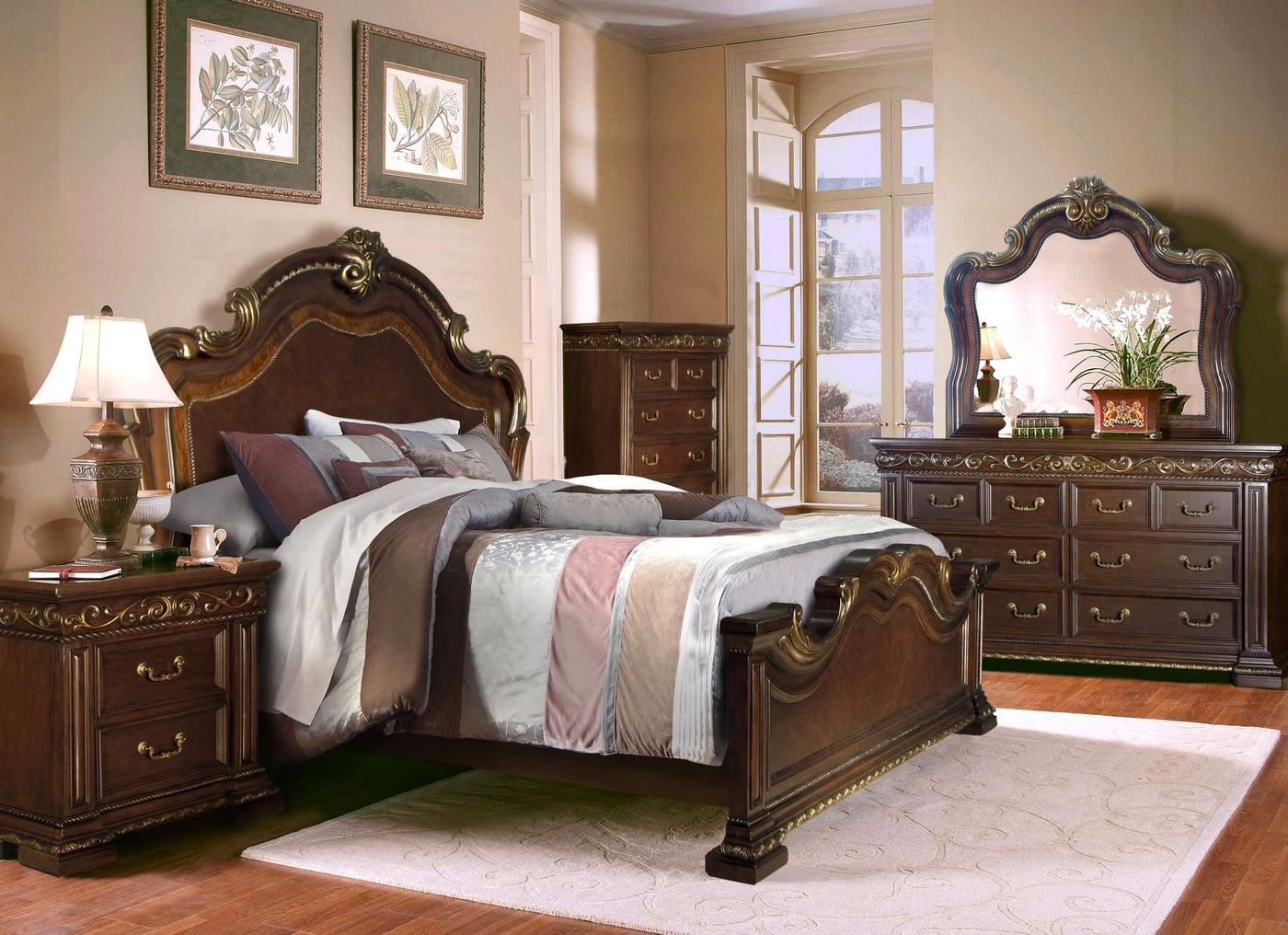 Valentine Antique Style 4 Pc California King Bedroom Set