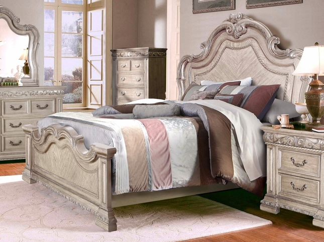 Valentine Antique Style California King Bed W/ Carved Details In Antique White