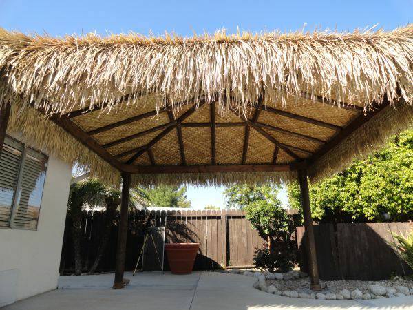 Palm Thatch Rolls For Tiki Hut Roofing