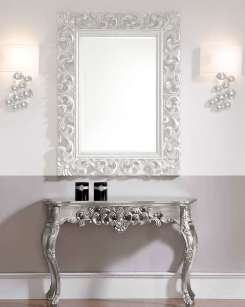 Classic Style Console Table In Silver 33c32