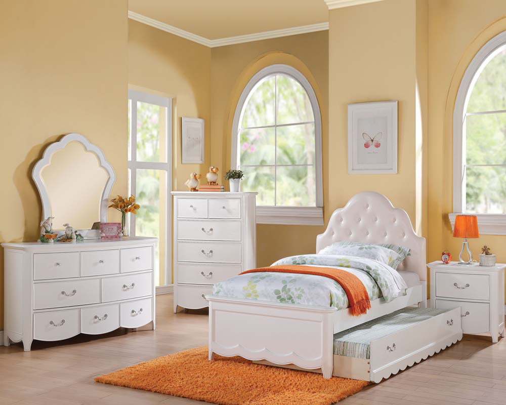 Girl 39 s white bedroom set cecilie in acme furniture ac30300set for Girls white bedroom furniture
