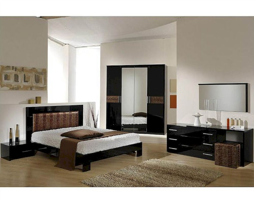 Modern bedroom set in black brown finish made in italy for Black modern decor