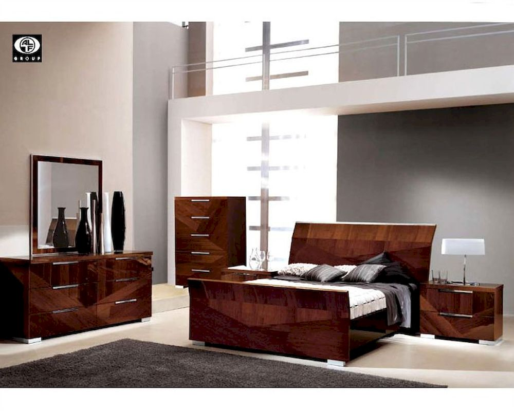 Modern bedroom set in high gloss walnut finish 33b161 for High gloss bedroom furniture