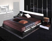 Modern Design Wenge Finish Bed with Night Stands Made in Italy 44B3112