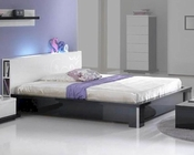 Modern High Gloss Finish Queen Bed Made in Italy 44B2512