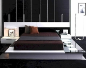 Modern White/Black Finish Bed with Night Stands Made in Italy 44B3512