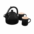 Le Creuset 1.7 Qt. Peruh Kettle and Mug Set - Black - Q12-KM3-31