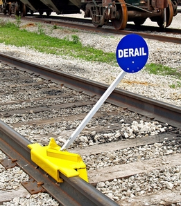 Aldon 4014-09-S Sabertooth� Portable Derail With Sign, Double-End