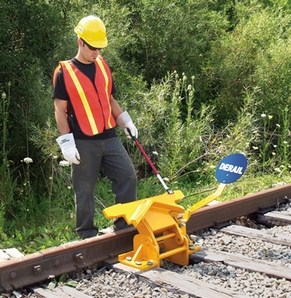 Aldon 4014-14-5D 2-Way Hinged Railroad Derail (Freight Car) With Pop-Up Sign Holder