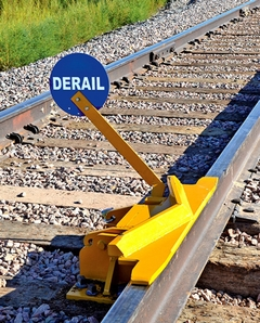 Aldon 4014-20-5D 2-Way Hinged Railroad Derail (Locomotive) With Pop-Up Sign Holder