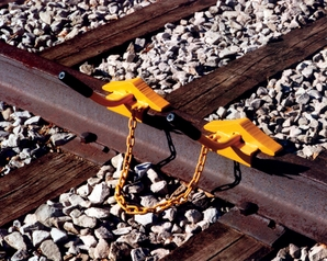 Nolan WC-11 Wheel Chock, Two Wc-1 Chocks Linked With Chain (60-141 Lb Rail)