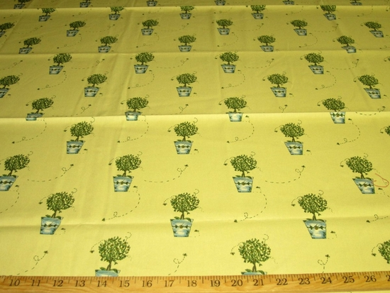 r8939, 1.25 yd Planter and Bee Drapery