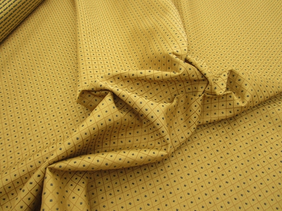 r9176, 6 3/4 yds Textured Diamond Chenille Mix Upholstery