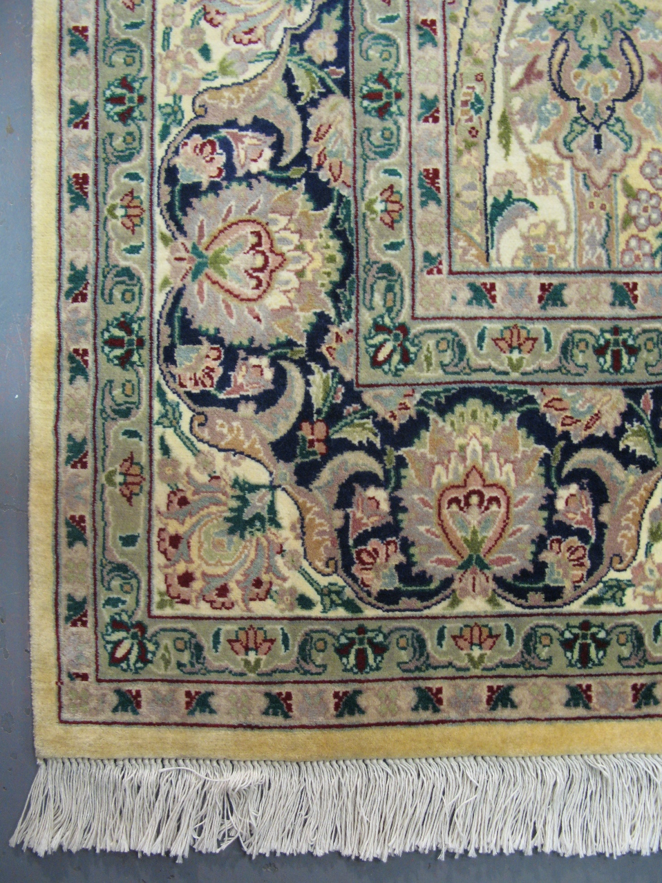 Arts crafts rug william morris montreal rugs for Arts and crafts carpet