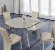 Global Furniture D2177DT DINING TABLE CHAMPAGNE