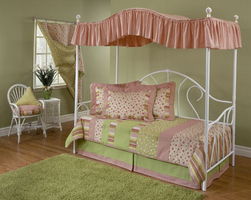 Hillsdale Bristol White Metal Canopy Daybed