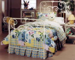 Hillsdale Lindsey Bedroom Collection