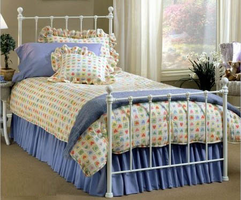 Hillsdale Molly Bedroom Collection