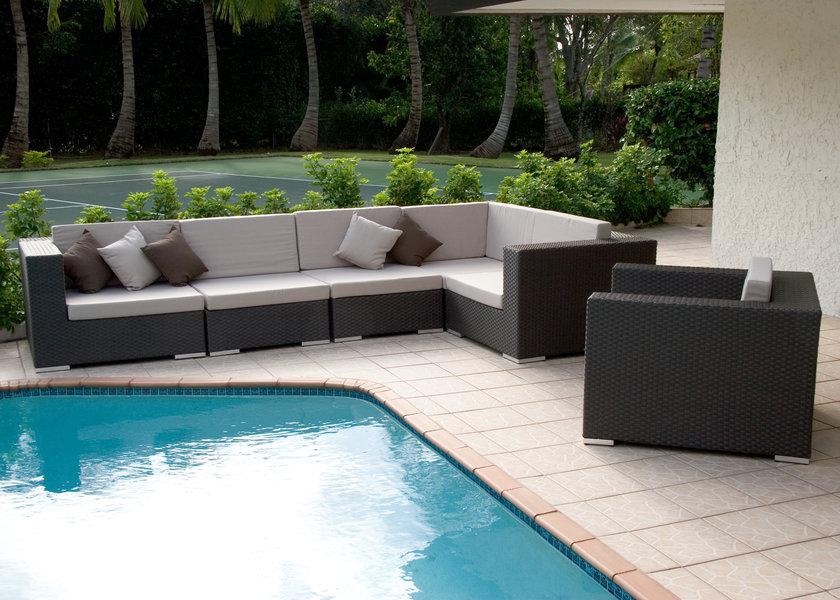 Jaavan Outdoor Venice Sectional With Ottoman And Single Section