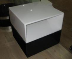 Beverly Hills Othello High Gloss Black and White End Table