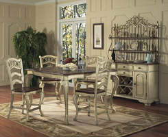 Pulaski Furniture Casual Dining Room