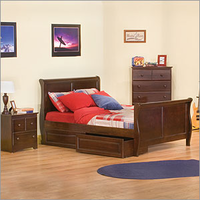 Sleigh Bed Room Set With Windsor Case Goods