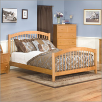 Windsor Bed with Matching Footboard Bedroom Set