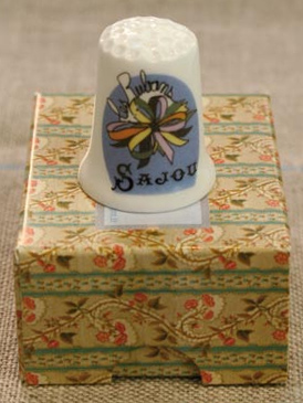 "Sajou ""Ribbons"" Bone China Thimble"