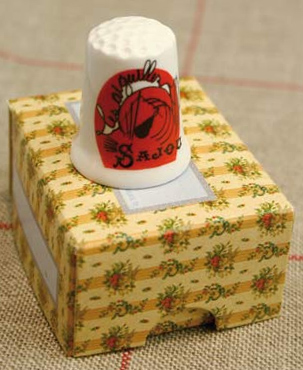 "Sajou ""Needles"" Bone China Thimble"