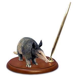 Armadillo Pen Holder
