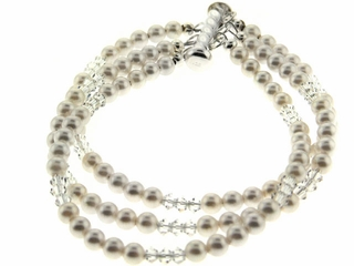 Classic Pearl and Crystal Bracelet