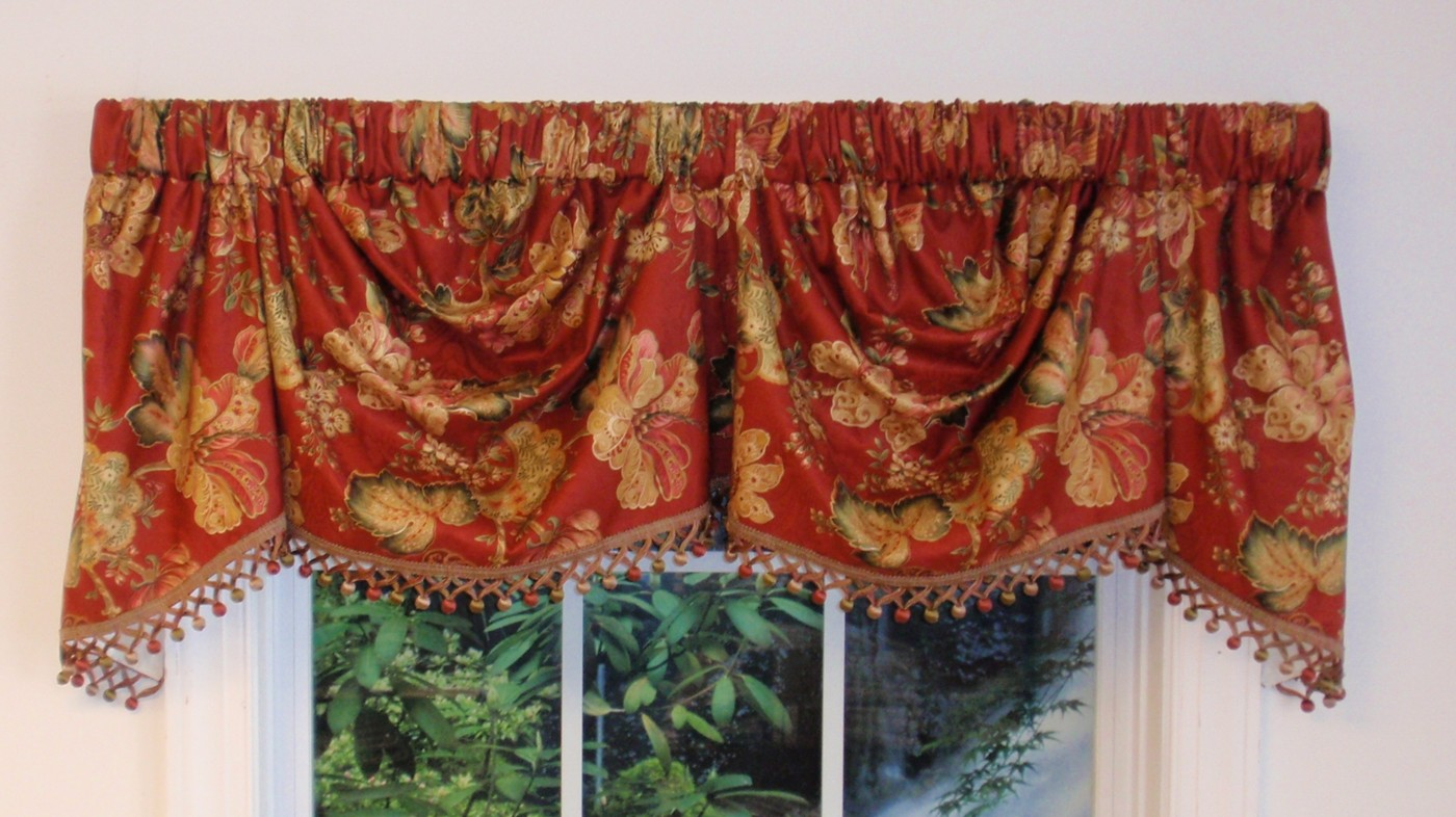 Luxuriance Double Scalloped Valance Floral Stripes