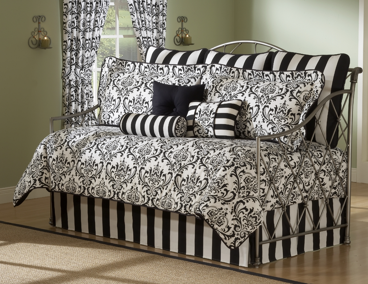 Astor Daybed Set By Victor Mill