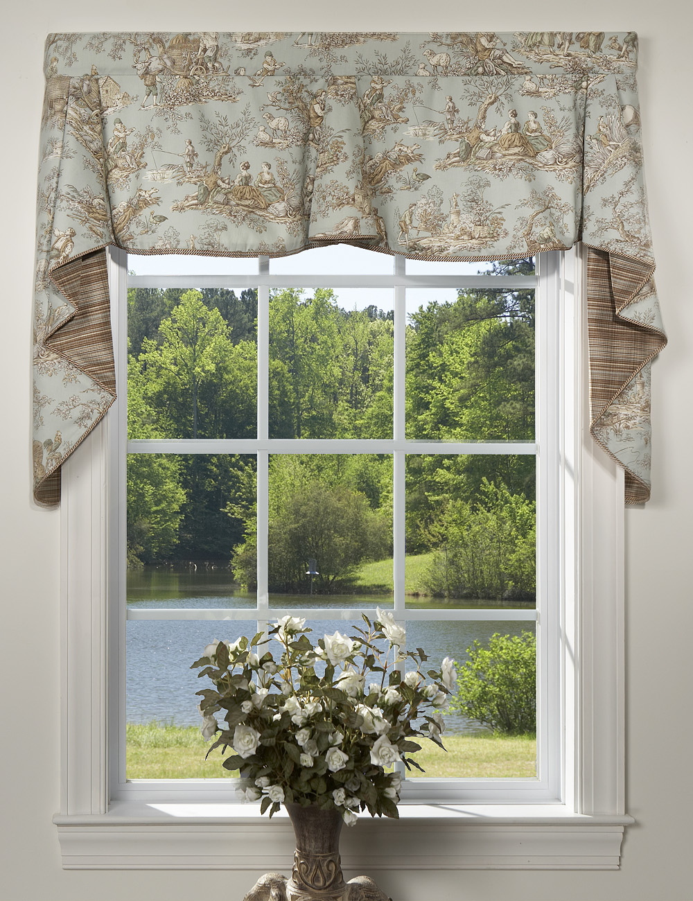 Perfect Swag Curtains: Solid, Patterned, Sheer AJ61