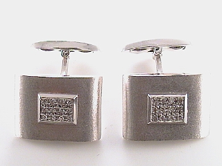 .20 Carat Sandblasted Gold & Diamond Cuff Links