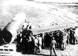 Uncrating And Assembly Of The P- 47 Thunderbolt Airplane / Dive Bombing (VHS Tape) - www.ihfhilm.com
