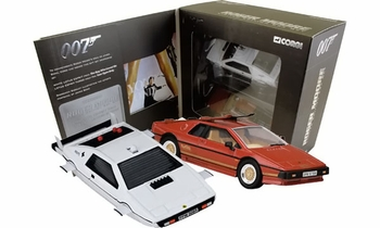 James Bond, Roger Moore Era: Lotus Esprit Model Set - Corgi CC93985 - click to enlarge