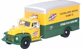 Diamond T 620 Box Van, Chicago & North Western - Corgi US52912 - click to enlarge