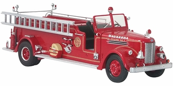Peter Pirsch Open Cab Pumper, Waukesha Fire Dept. - Corgi US53605 - click to enlarge